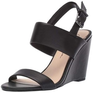 Jessica Simpson Women's Wyra Wedge Sandal Black 6